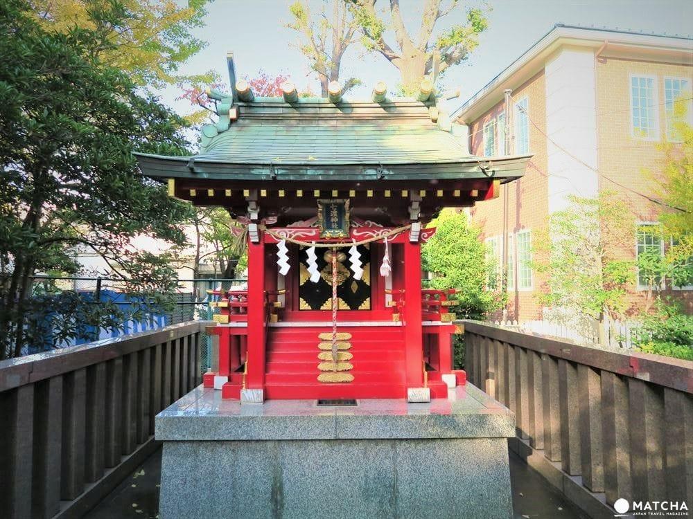 江戸相撲発祥に鳥居のトンネルまで!下町を代表する神社「富岡八幡宮」