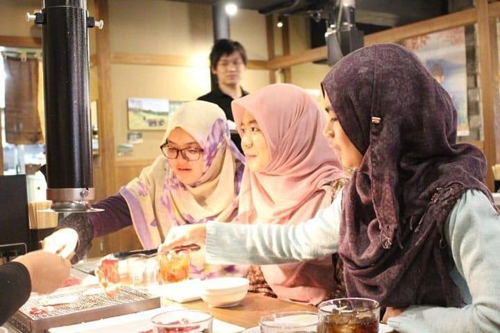 Kumpulan Informasi Bagi Wisatawan Muslim di Jepang: Masjid, Makanan Halal, dan Lainnya
