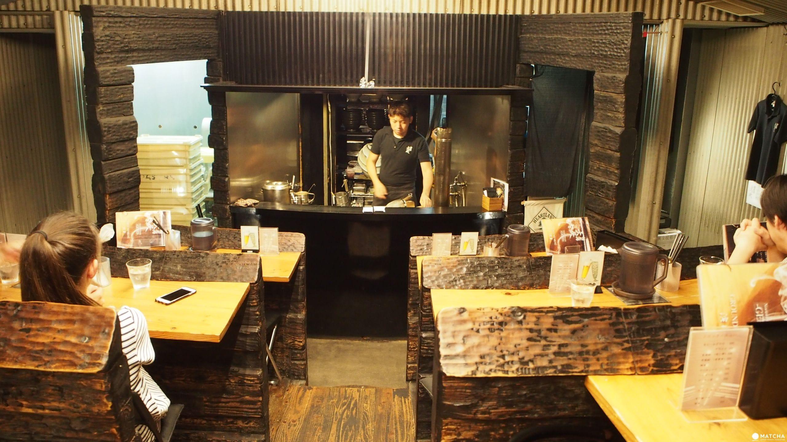 【福岡】在劇場裡吃拉麵!「麵劇場-玄瑛」