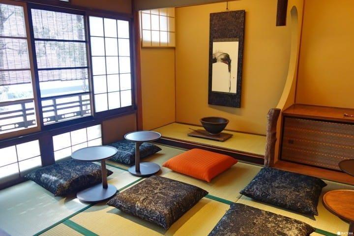 京都二寧坂彌榮茶屋店 內部