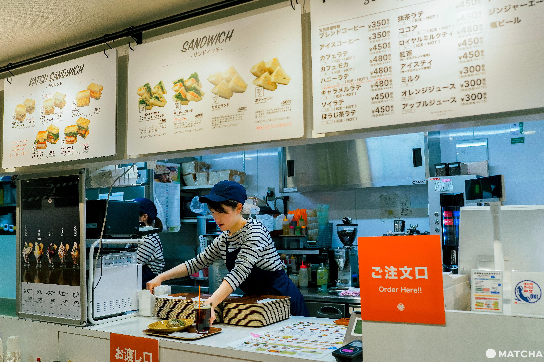 三日月屋CAFE 博多站店_內觀
