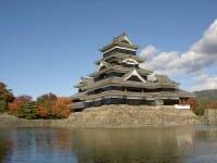 """【จ.นากาโน่】""""ปราสาทมัตสึโมโตะ"""" ปราการ 6 ชั้นที่เก่าแก่ที่สุดในญี่ปุ่น〜วิธีการเดินทาง・ไฮไลท์〜"""