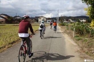 <div class='captionBox title'>「Omatour Toyama」的貼心導遊帶你騎著自行車深遊富山~</div>