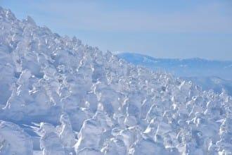 <div class='captionBox title'>【山形】滑雪、溫泉、樹冰一次滿足!雄偉壯觀的山形「藏王樹冰」!</div>