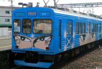 <div class='captionBox title'>您喜歡忍者嗎?來三重縣坐伊賀鐵道的忍者列車吧</div>