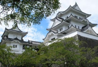 <div class='captionBox title'>【三重縣】不只有忍者,在伊賀上野城感受歷史的痕跡</div>