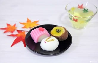 <div class='captionBox title'>Japan's Autumn Sweets - Traditional Snacks And Tastes Of The Season</div>