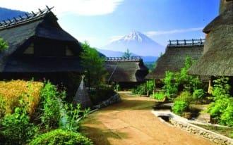 <div class='captionBox title'>『山梨』東京直達!日本千圓鈔票富士山背景就在這!</div>