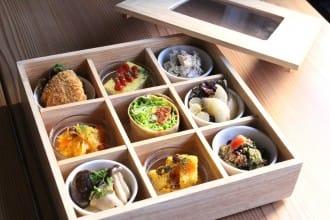 <div class='captionBox title'>AIN SOPH. GINZA - Eat Jewel-Like Meals At A Vegan Friendly Restaurant!</div>