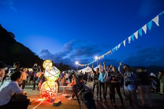 <div class='captionBox title'>京都嵐山星空市集「宇宙祭2019」從早到晚都好玩</div>