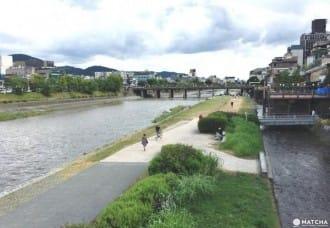 <div class='captionBox title'>『京都』跟著綾瀨遙穿越時空!踏訪電影本能寺大飯店景點</div>