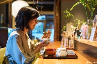 <div class='captionBox title'>【東京・六本木】和風カフェ「茶彩 絲」で本格的な和食と抹茶、会席料理を楽しもう!</div>