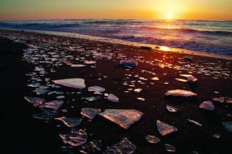 <div class='captionBox title'>『北海道』十勝除了紅豆,還有最獨一無二的寶石冰美景</div>