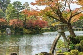 <div class='captionBox title'>【金澤】日本三大庭園之一「兼六園」美到四季都想去一次 必看重點、交通&周邊景點</div>