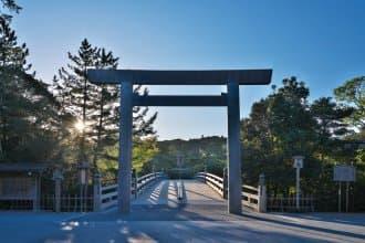 <div class='captionBox title'>【三重】神社之首「伊勢神宮」就是與眾不同!回歸日本的心靈原鄉</div>