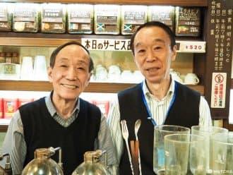 <div class='captionBox title'>『神田』聽阿伯兄弟娓娓道來!半世紀的咖啡香配海苔吐司 エース喫茶店</div>