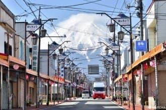 <div class='captionBox title'>【山梨】近在眼前的感動!騎上腳踏車自在巡遊河口湖與富士山</div>