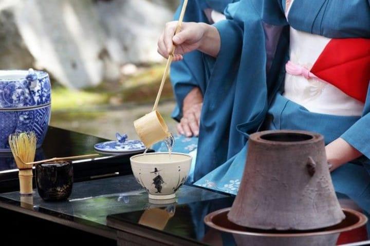 Pengetahuan Dasar dan Cara Belajar Sadou di Jepang