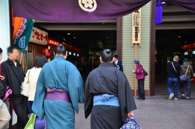 Sumo Wrestling Guide - Key Terms, Buying Tickets, And Ways to Enjoy