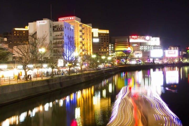 福岡丸わかりガイド。お得な行き方、移動手段、観光スポット、モデルルートなどまとめ