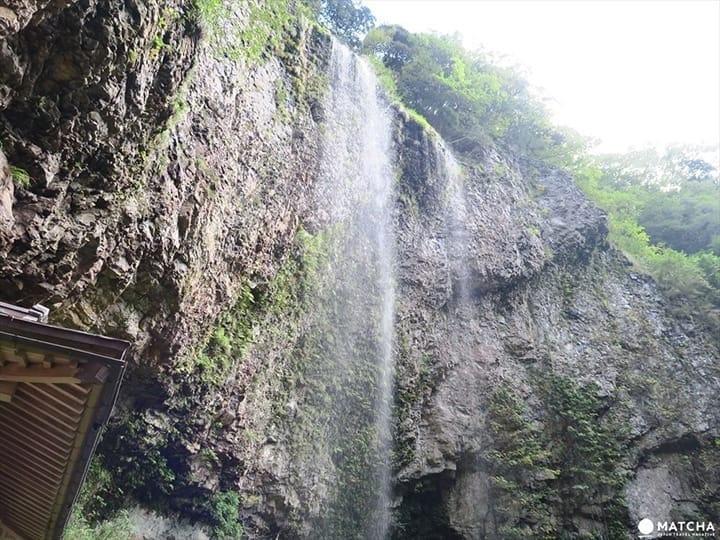 Pemandangan Misterius di Geopark Oki