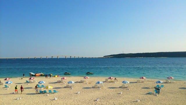 沖縄のビーチ完全ガイド。沖縄旅行で外せない絶景ビーチ23選