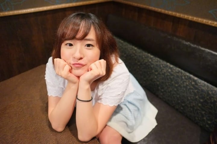 Kawaii Or Too Much? 10 Poses From Japanese Burikko Girls