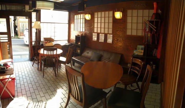 空港からも都心へもアクセス抜群!元蕎麦屋を改装した青砥駅のホステル「Star Inn Tokyo」