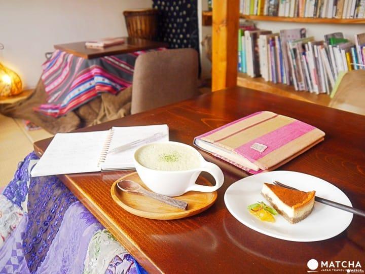 สบายเหมือนอยู่ที่บ้าน! 「Cafe Stay Happy」จิบน้ำชาในโต๊ะโคทัตสึที่ชิโมคิตาซาวะ