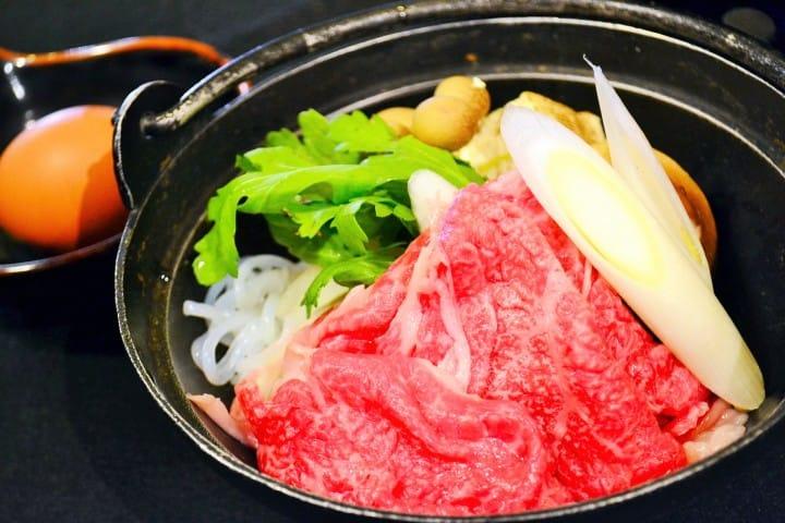不知道就糗大了!的日本小常識「壽喜燒的吃法」