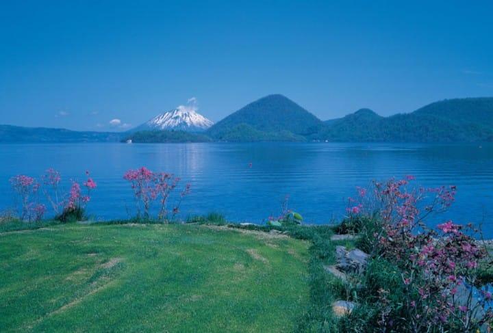 【北海道】湖畔からの美しい景色を楽しめる洞爺湖温泉~日帰り入浴、旅館、アクセス情報など~