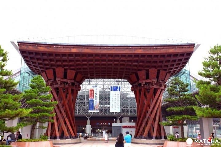 롯카쿠엔 등, 역사를 알 수 있는 관광 스폿이 매력이다. 카나자와 구역 가이드