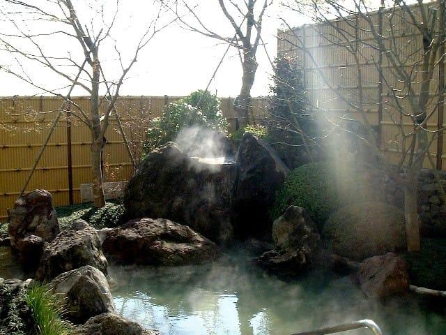 源泉数と温泉湧出量が日本一!湯けむり上がる温泉天国 【別府温泉】~大分県~
