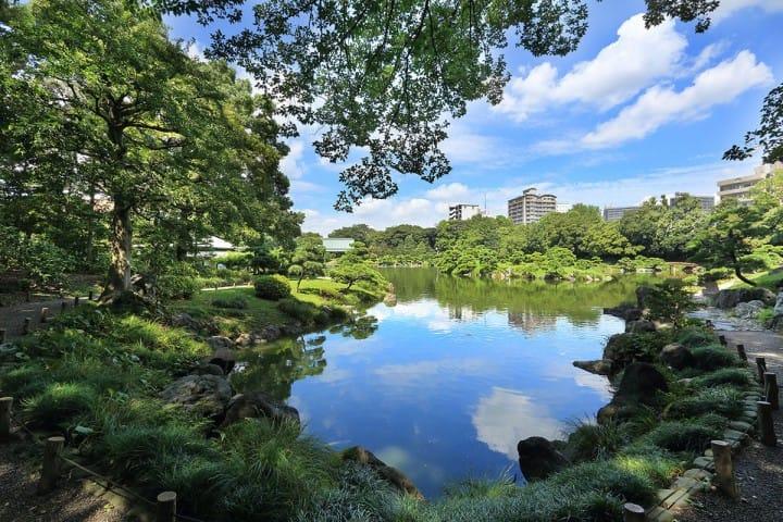 Kiyosumi Garden In Tokyo, A Dream Garden Built By A Millionaire