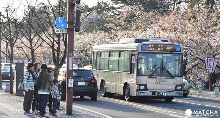 """【青森】走访苹果的故乡,100日元循环巴士游""""弘前"""""""