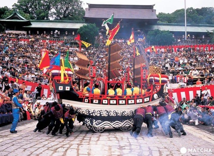[นางาซากิ] วัฒนธรรมนานาชาติที่ผสมกลมกลืนในเทศกาลนางาซากิคุนจิ ~ กำหนดการปี 2017 การเดินทาง และข้อมูลที่จำเป็น ~