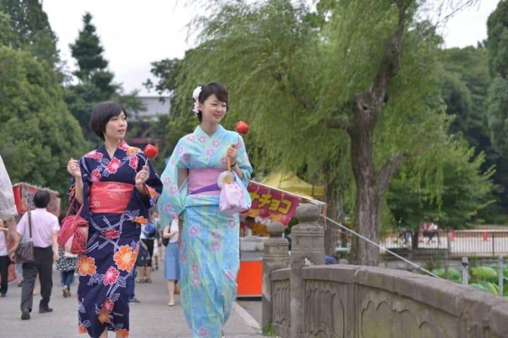 Having Fun At Summer Festivals In A Yukata - Women's Edition