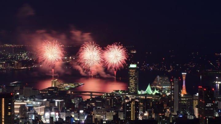 神戶港開港150周年,2017年8月5日15000發煙火閃耀整個神戶港!