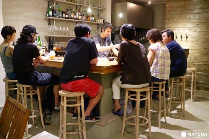 アットホームな雰囲気が魅力!地元の人とお酒も飲める神戸のゲストハウス・Minato Hütte