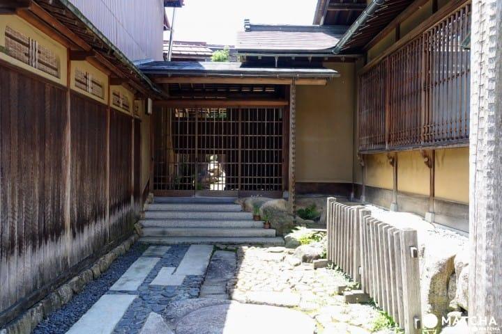 Sukiya Suehiro No Ie - An Antique Guest House In Hida Furukawa