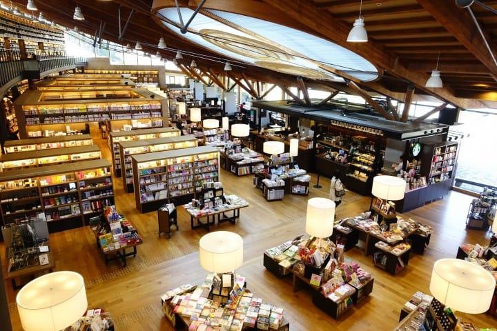 【佐賀】真正的圖書館革命! 蔦屋,星巴克進駐的武雄市圖書館