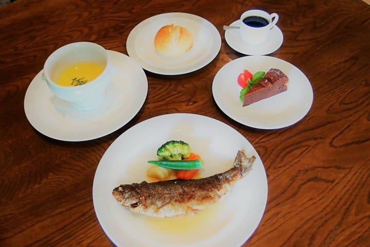 歐洲浪漫館Chez Hoshino享用虹鱒料理