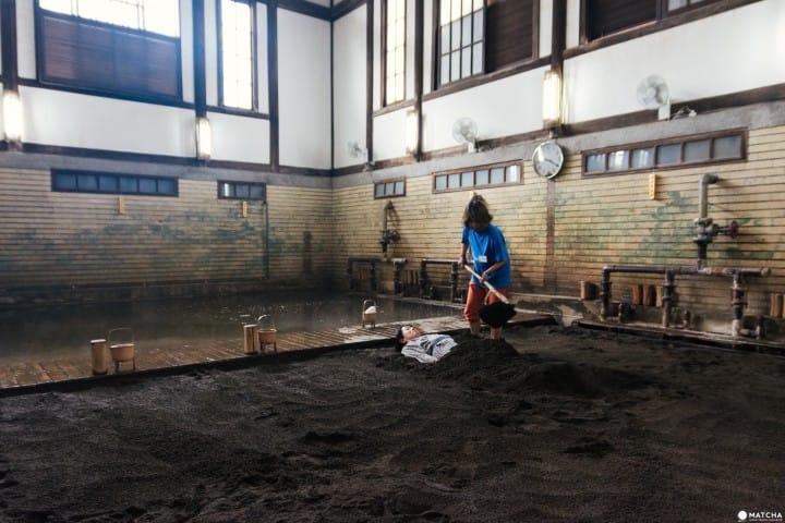 充滿歴史氣息的建築物!在別府的「竹瓦溫泉」感受日本古早味