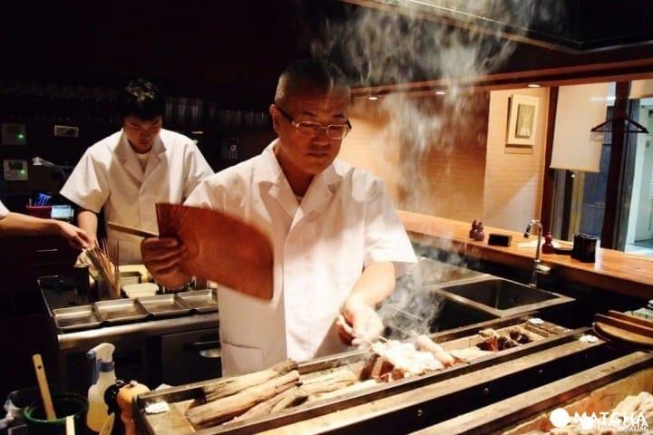 Cómo disfrutar el yakitori: Una guía de los tipos de yakitori y restaurantes