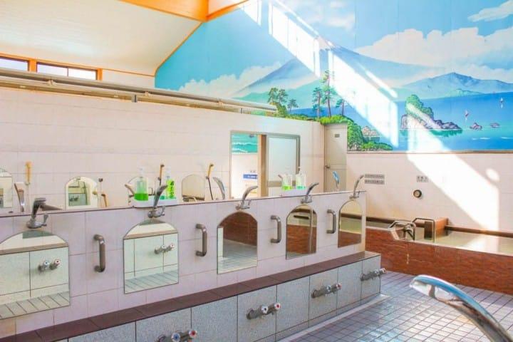 「public bath in japan」の画像検索結果