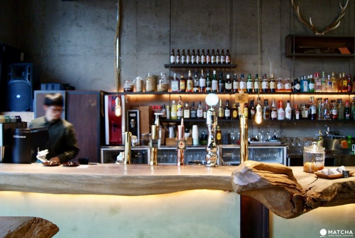 Nui. HOSTEL & BAR LOUNGE: A Warm Guest House A Stop Away From Asakusa