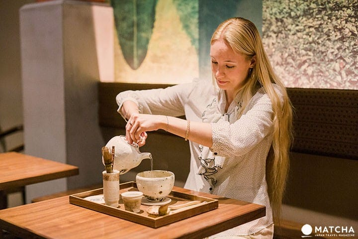 CAFE Osaka Chakai - Taste Delicious Freshly Ground Green Tea In Osaka!