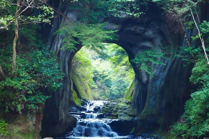 東京近郊濃溝瀑布