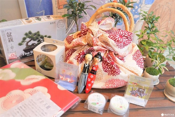 Ayo Pergi ke Toko Noren Kagurazaka untuk Membeli Suvenir Imut Khas Jepang!