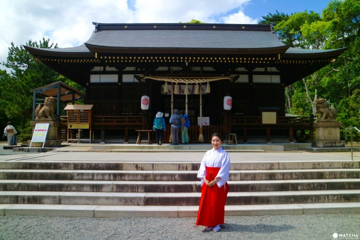 Pray At Yuzuruha Shrine - A Lucky Spot Made Famous By Figure Skater Yuzuru Hanyu